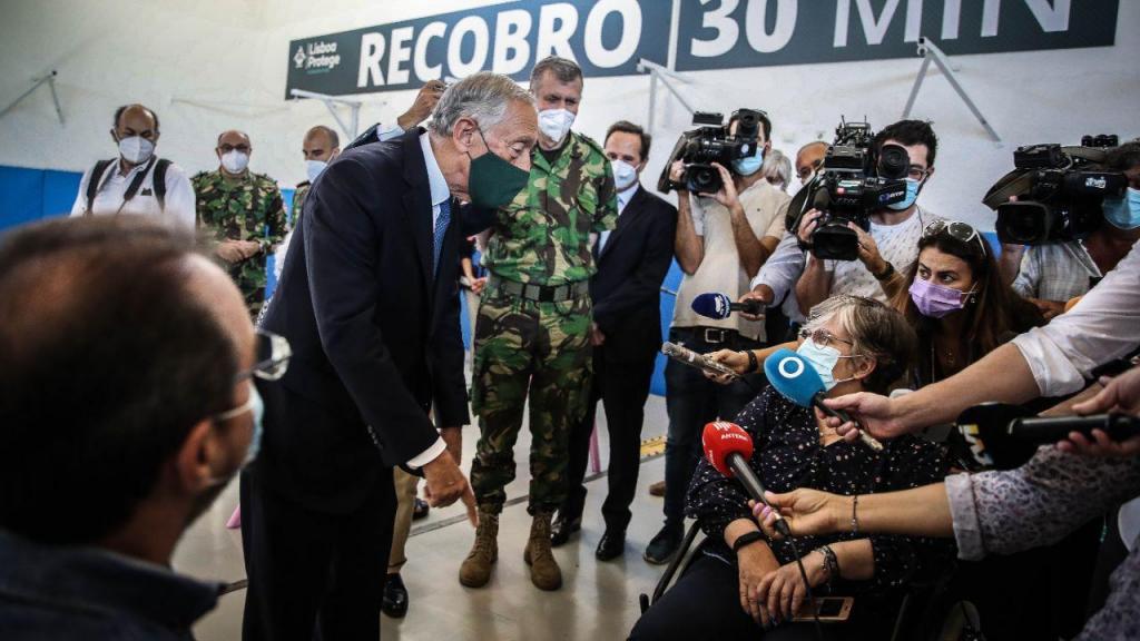 Presidente da República visita o Centro de Vacinação do Estádio Universitário de Lisboa