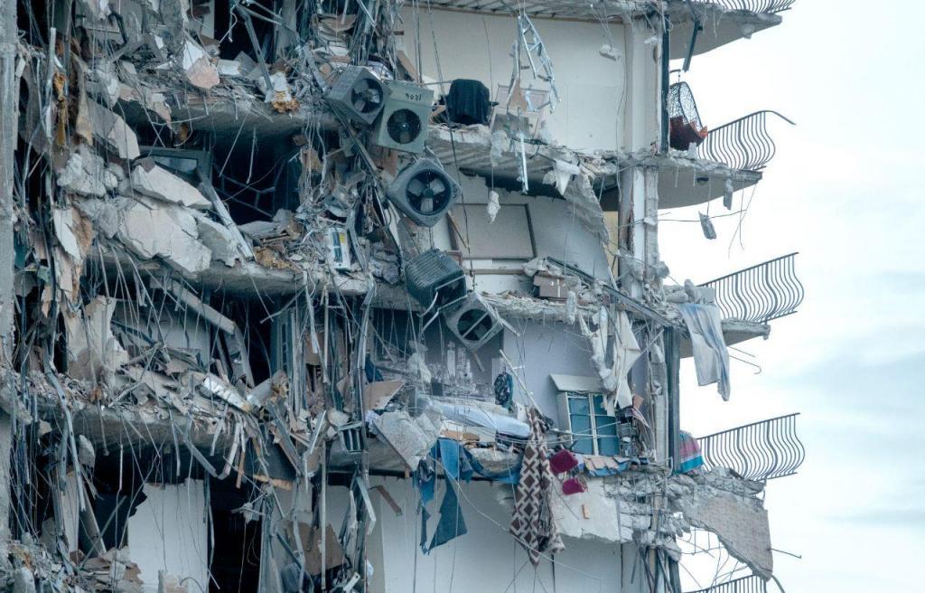 Colapso de prédio em Miami