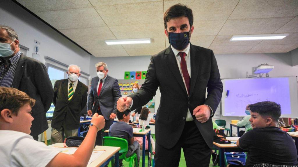 Ministro Tiago Brandão Rodrigues na inauguração da escola da Encosta do Sol nas Caldas da Rainha
