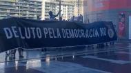 Adeptos do Benfica protestam junto ao Estádio da Luz