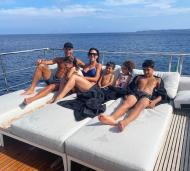 Cristiano Ronaldo e a família optaram pela privacidade do iate privado