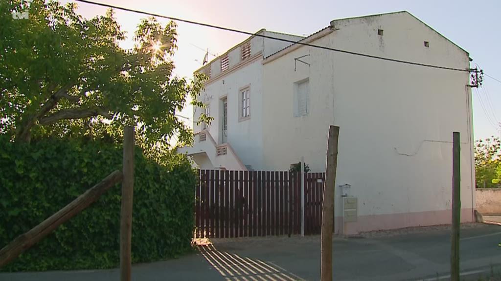 Autoridades suspeitam que idoso encontrado morto em Faro tenha sido vítima de um assalto