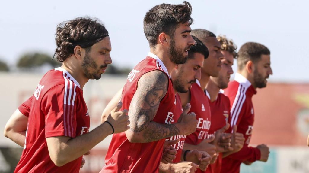 Rodrigo Pinho integrado no treino (fotos: SL Benfica)
