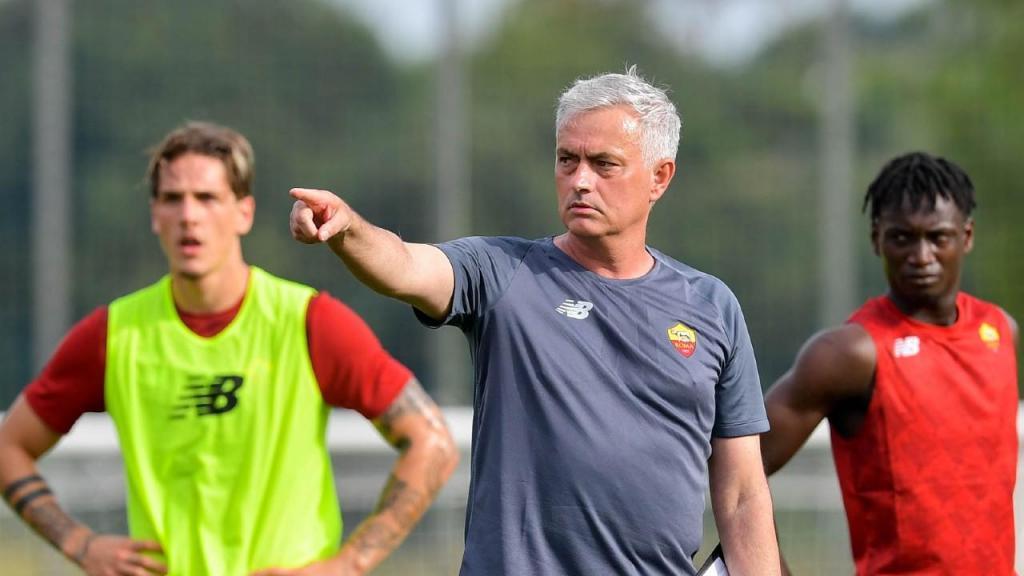 Primeiro treino da Roma com José Mourinho