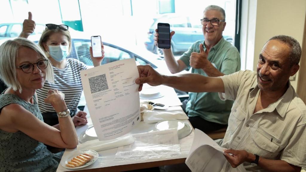 Restaurantes verificam certificados digitais