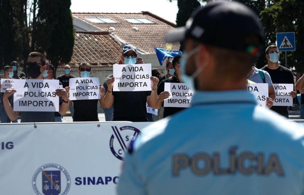 Protestos de elementos da GNR e da PSP