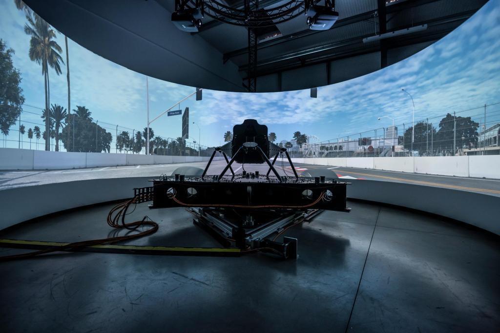 Dynisma - um dos mais avançados simuladores de condução do mundo
