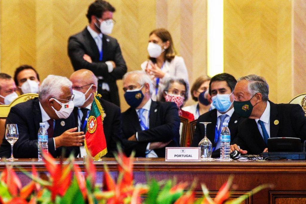 Marcelo e Costa na cimeira da CPLP