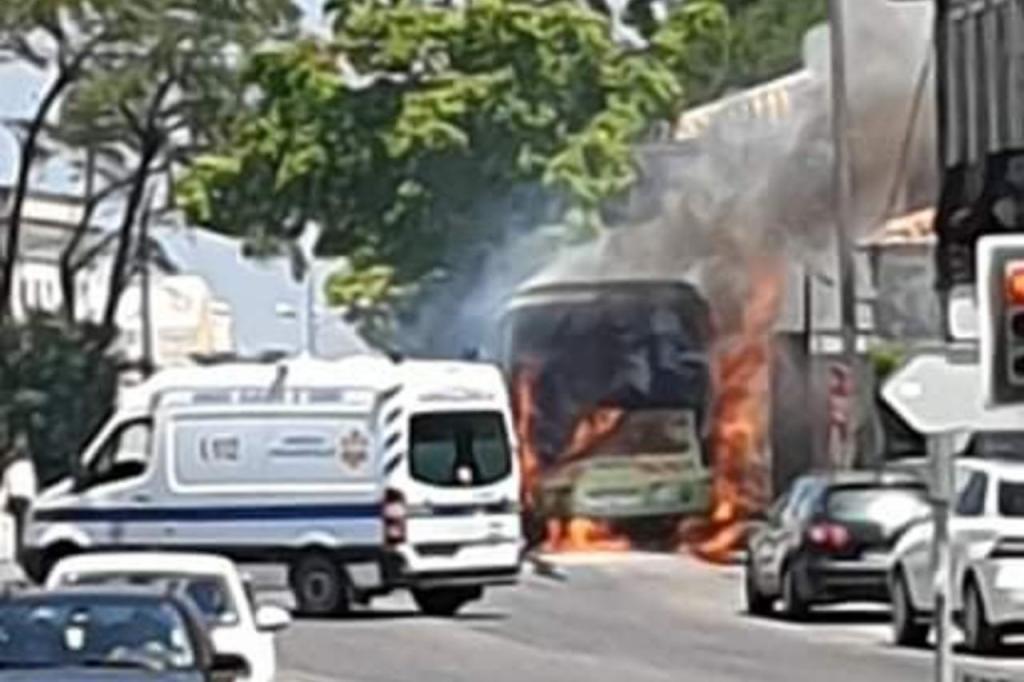 Incendio autocarro TST sesimbra