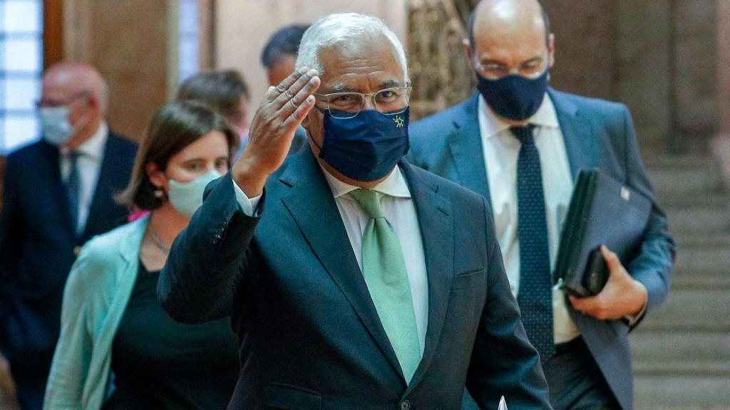 António Costa à chegada à Assembleia da República