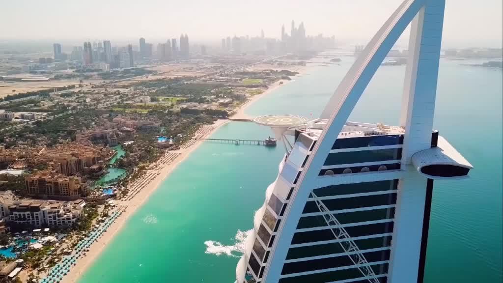 No Dubai inventa-se tudo, até chuva