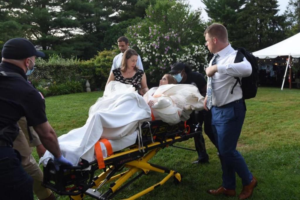 Noiva desloca joelho no casamento