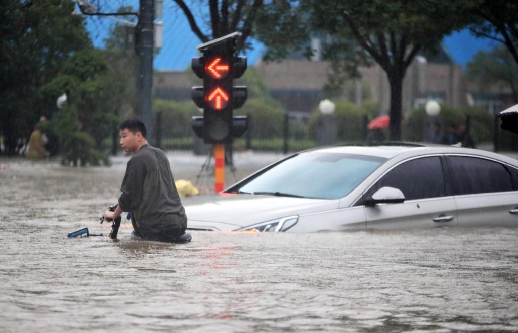 Enchentes na China (Lusa)