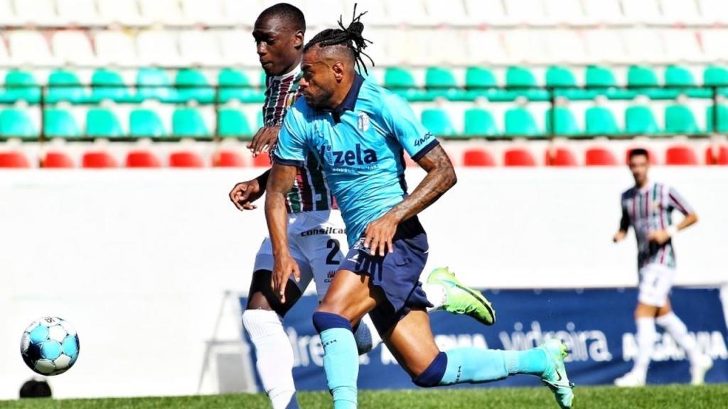 Traoré e Cassiano no Estrela-Vizela, da Taça da Liga (FC Vizela)