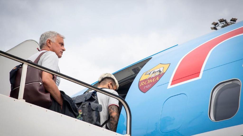 José Mourinho na viagem da Roma até Portugal