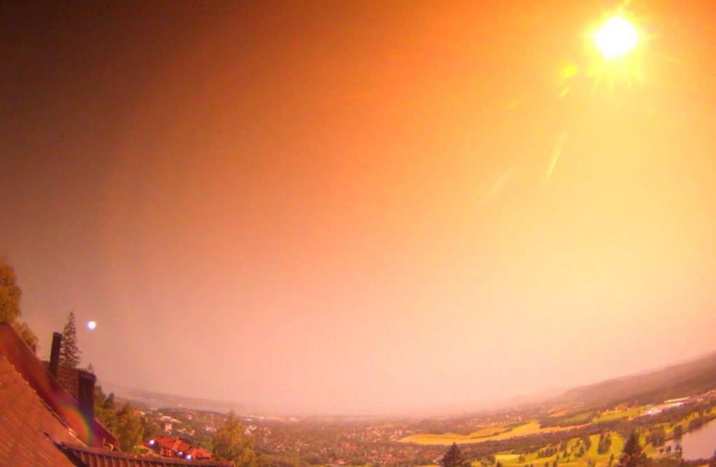 Meteoro ilumina a Noruega