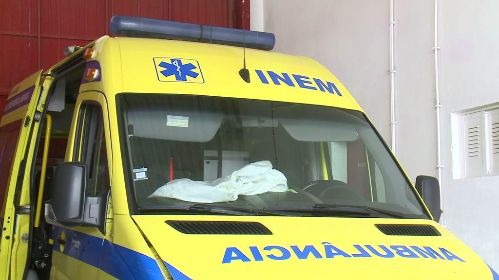 Homem que agrediu bombeiros e fugiu com ambulância fica em liberdade
