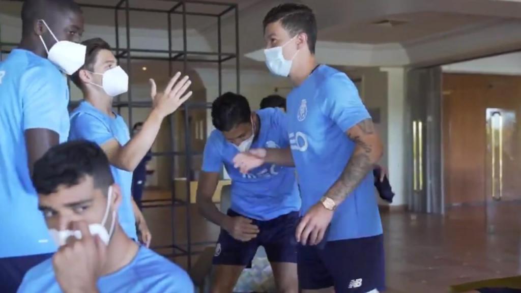 Uribe juntou-se aos companheiros no Algarve