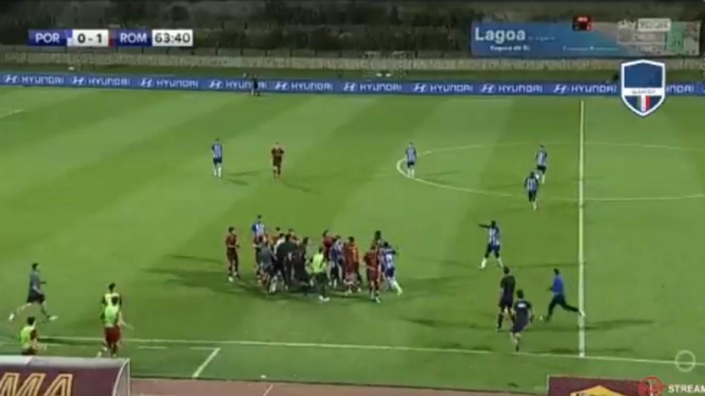 Confusão no FC Porto-Roma (twitter)