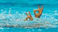 O pormenor das australianas Emily Rogers e Amie Thompson, na ronda preliminar da natação sincronizada (AP)