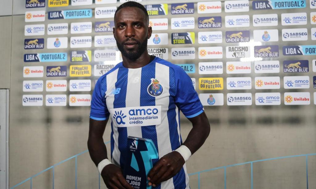 Silvestre Varela (Foto: twitter do FC Porto)