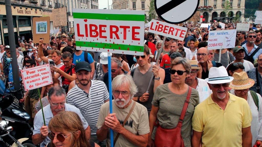 Protesto contra medidas anti-covid em França