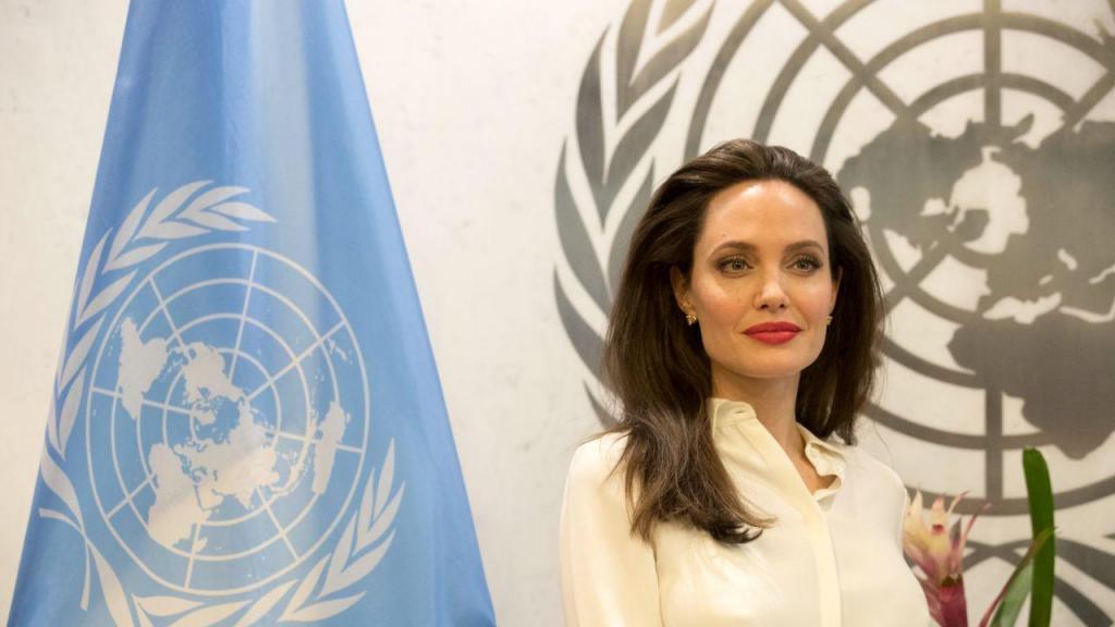 Angelina Jolie cria instagram para mostrar solidariedade com povo afegão