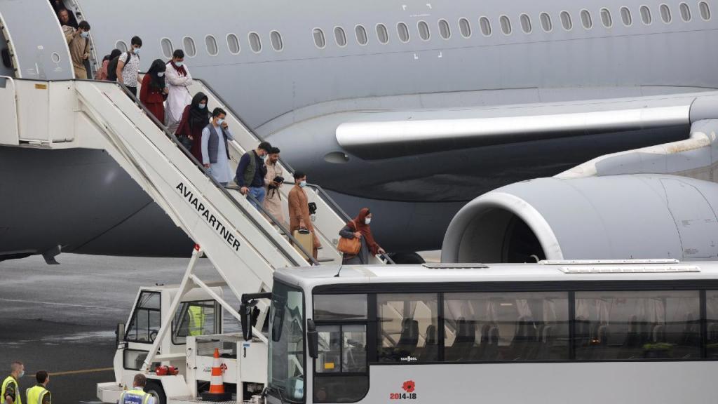 Afegãos desembarcam na Europa