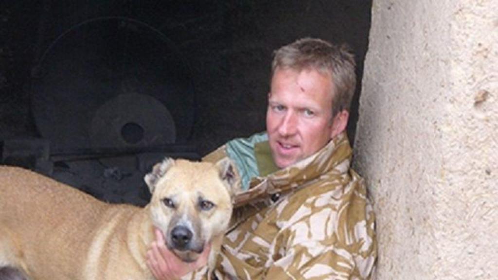 Carro de cidadão inglês que resgatava animais alvejado no aeroporto de Cabul
