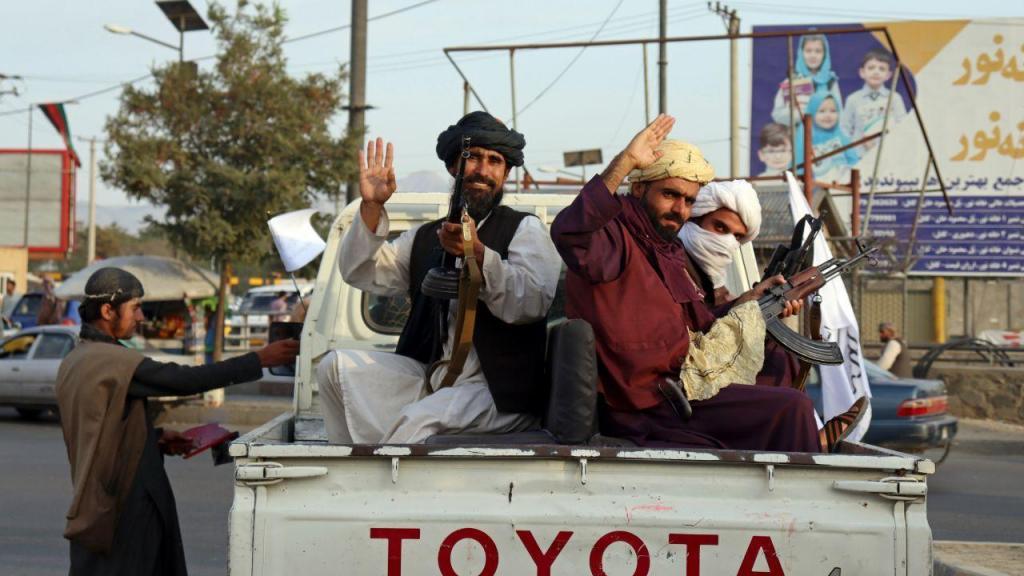 Talibãs dominam Cabul