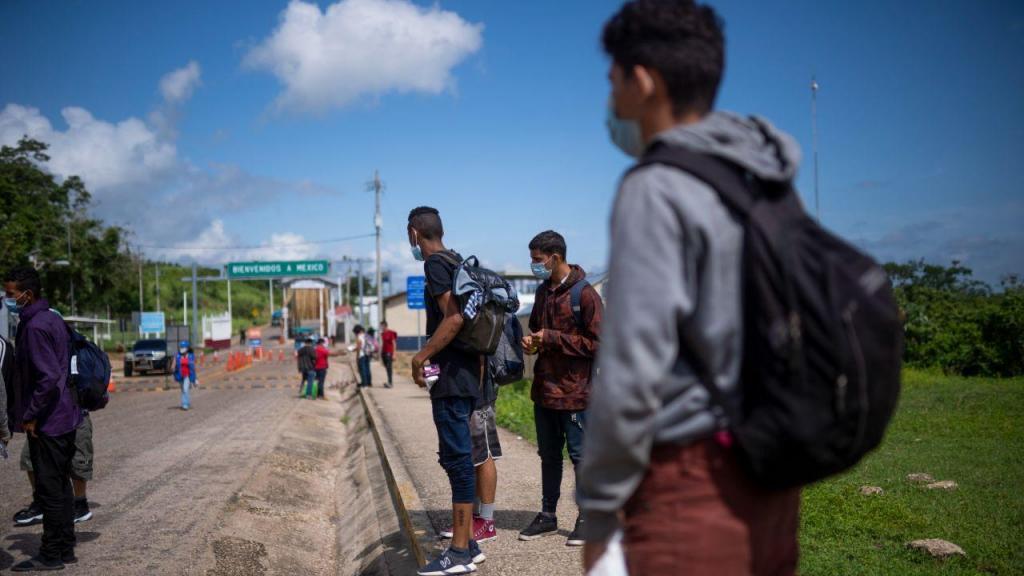 Migrantes na fronteira do México