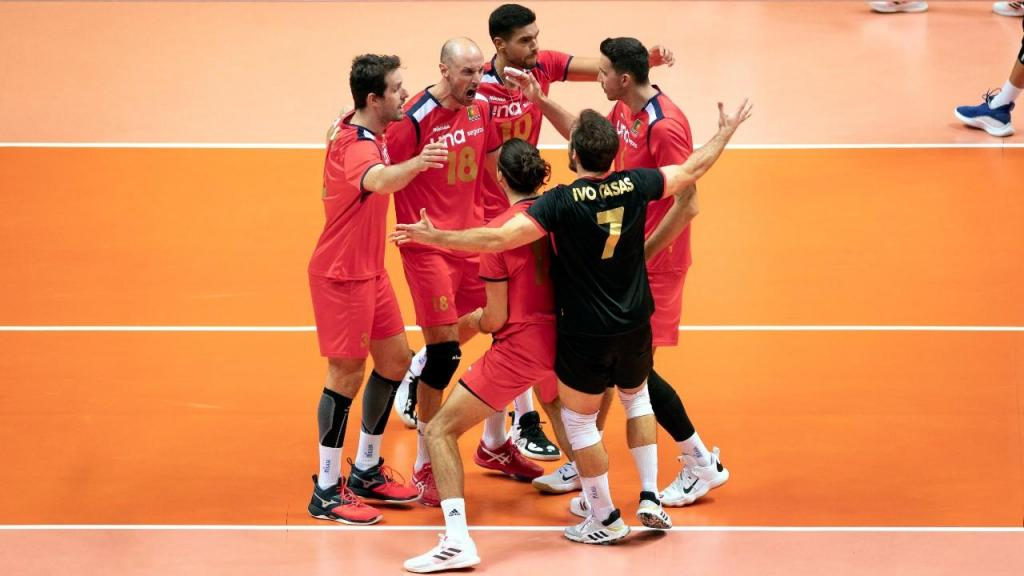 Seleção de voleibol de Portugal venceu a Grécia para apurar-se para os «oitavos» do Europeu de forma inédita (EPA)