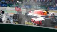 Incidente entre Max Verstappen e Lewis Hamilton em Monza (Luca Bruno/AP)