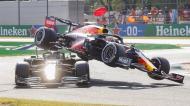 Incidente entre Max Verstappen e Lewis Hamilton em Monza (Matteo Bazzi/AP)