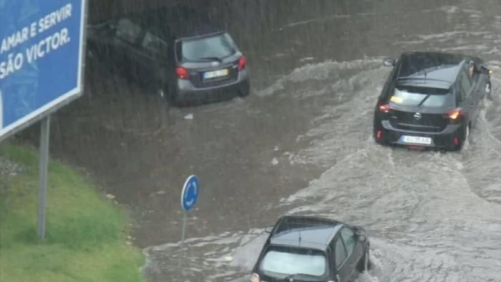 Chuva intensa em Braga provoca inundações