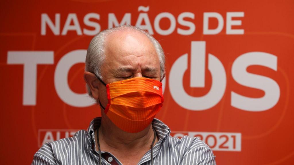O presidente do PSD, Rui Rio, durante uma ação de campanha em Estremoz