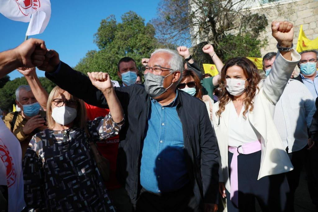 António Costa numa ação de campanha em Matosinhos