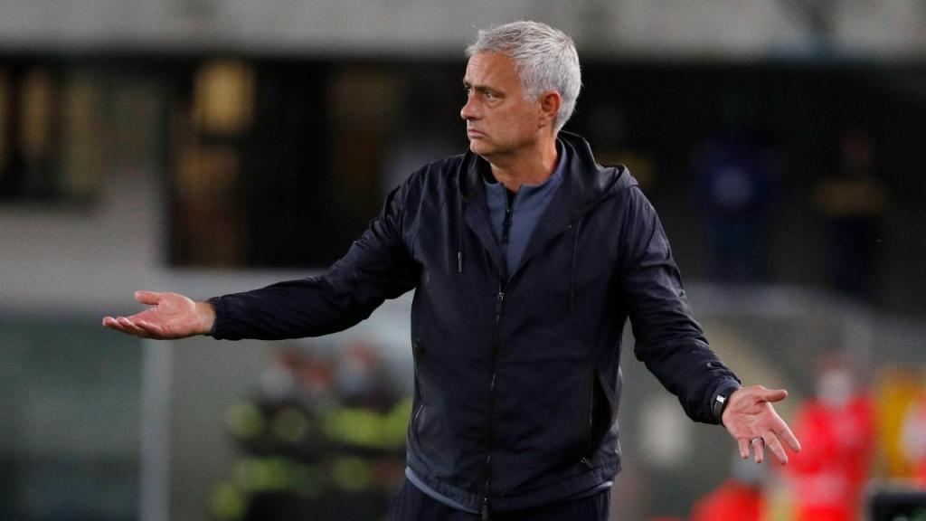 Mourinho (EPA/EMANUELE PENNACCHIO)