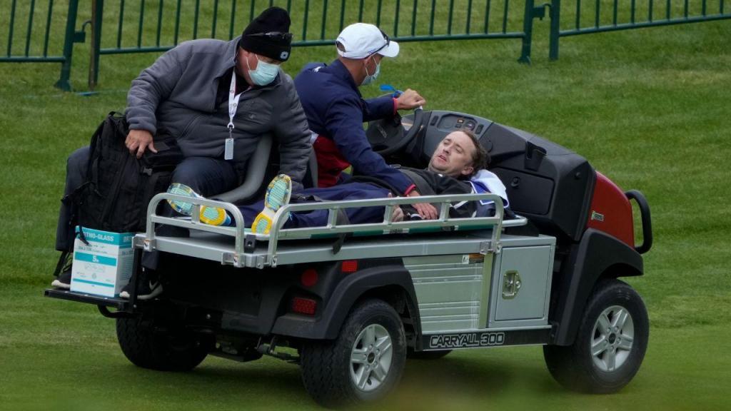 Tom Felton desmaia durante jogo de golfe