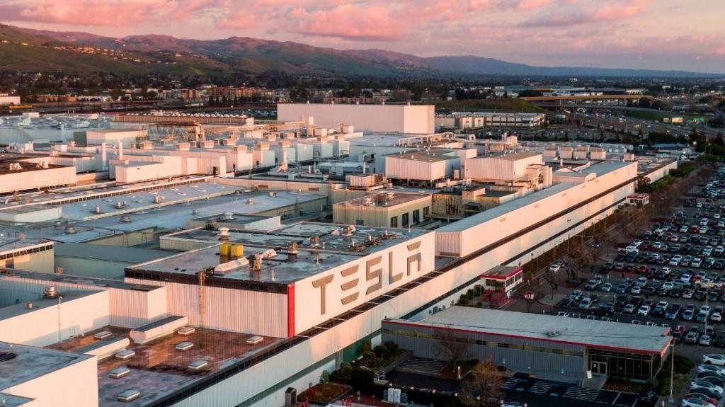 Fábrica da Tesla em Fremont (Califórnia)