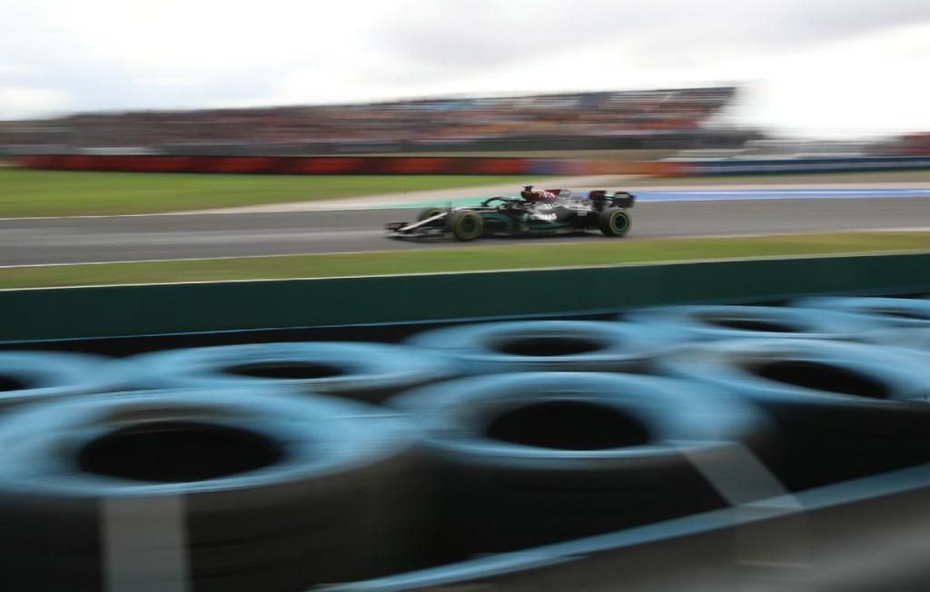 Mercedes ganha a qualificação: Hamilton é o mais rápido, Bottas fica com a pole thumbnail