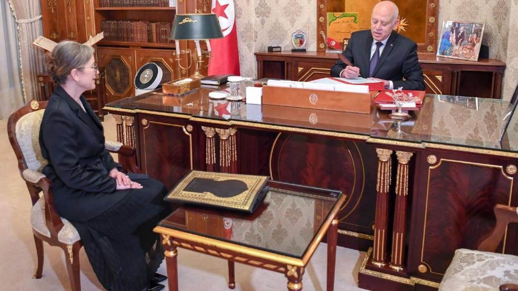 Primeira-ministra da Tunísia anuncia Governo
