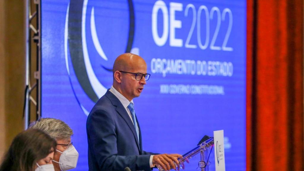 João Leão apresenta Orçamento do Estado para 2022