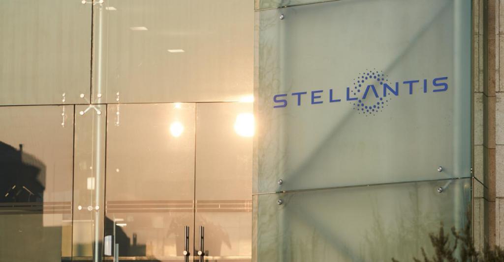 Fábricas da Stellantis em Itália param por falta de chips (foto: Stellantis)