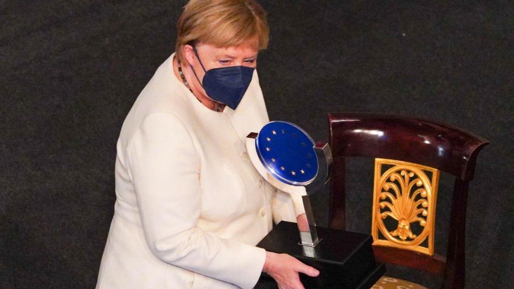 Angela Merkel recebe prémio Carlos V