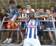 Varela apresentado no Huelva (foto EPA/Ivan Quintero)
