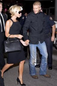 David e Victoria Beckham na chegada à Califórnia (foto Lusa)