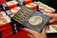 O último livro da série já está à venda (EPA)