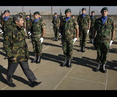 Ministro da Defesa visitou os militares portugueses no Afeganistão - Foto Lusa, Mário Cruz