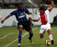 Suazo e Davids no Inter Milão-Ajax